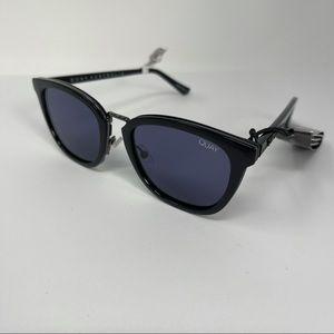 Quay Run Around Sunglasses square black